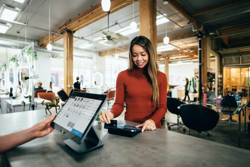 Einsatz künstlicher Intelligenz in der Filiale im Einzelhandel